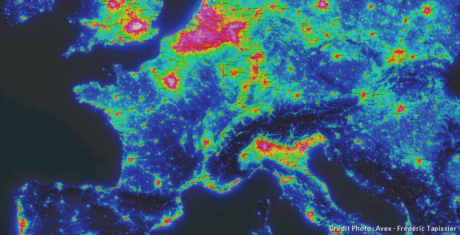 Carte de la pollution lumineuse en France
