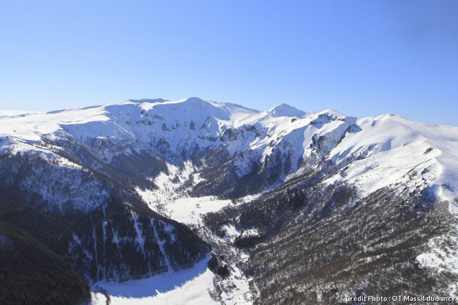 la vallée de Chaudefour enneigée