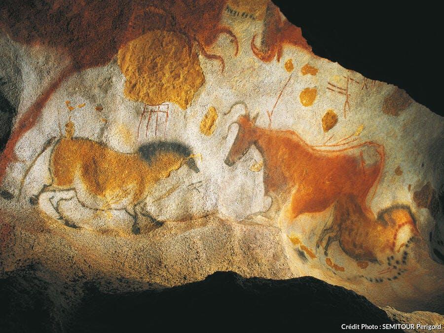 Peinture de chevaux chinois dans la grotte de Lascaux