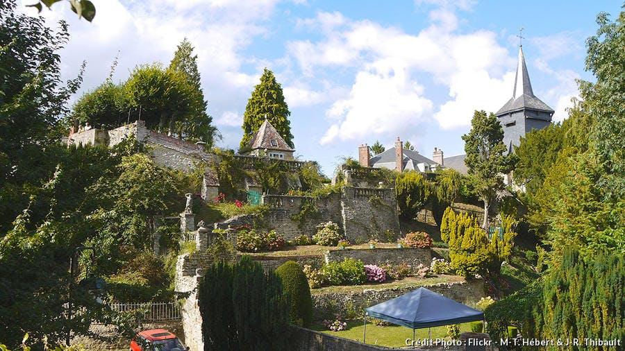 det_hs_village_12_gerberoy_fli_jardin_m-t_hebert_j-r_thibault.jpg