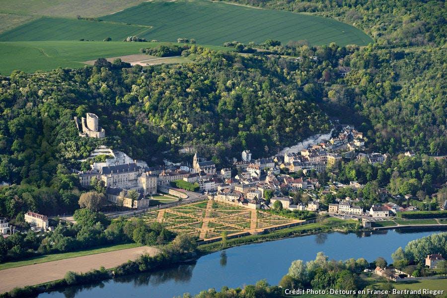 Panorama de la Roche Guyon et son chateau