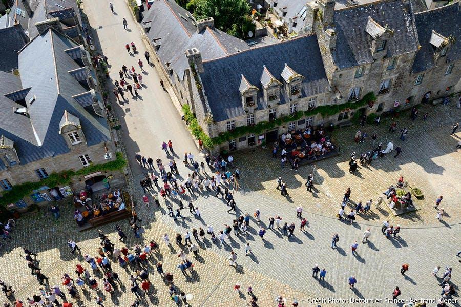 det_hs_village_13_locronan_place_aerienne.jpg