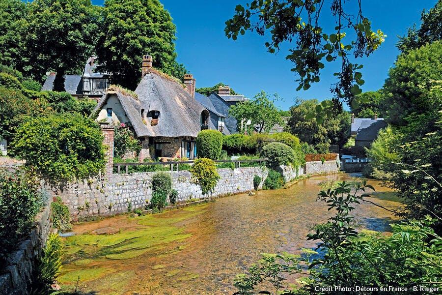 Maison bordé du fleuve