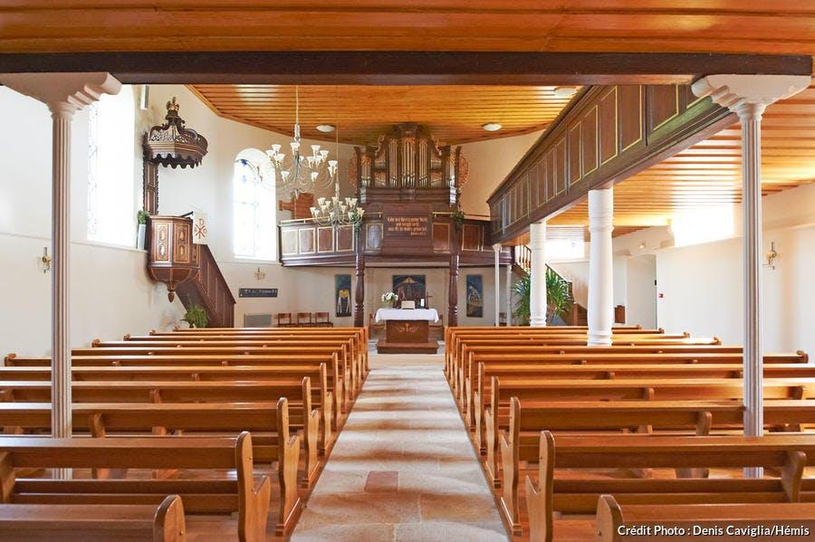 L'intérieur de l'église protestante à Hunspach