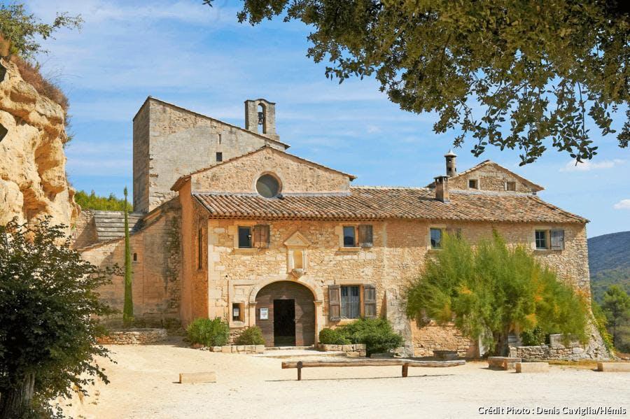 L'abbaye Saint-Hilaire à Ménerbes