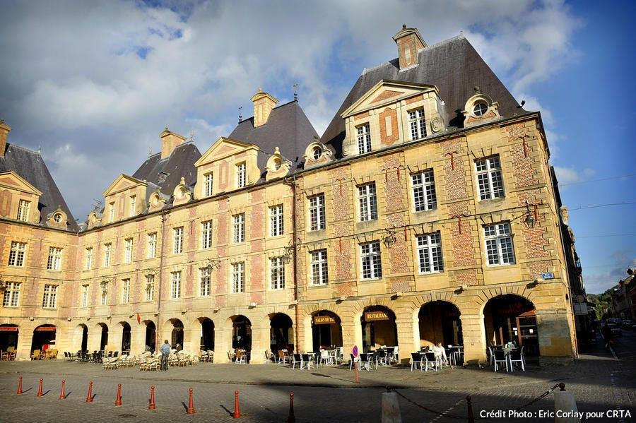 det_place_ducale_charleville-meziere_dr.jpg