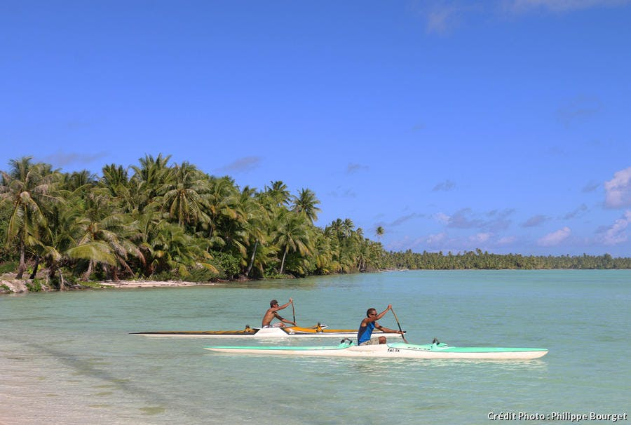 Embarcation sur la plage de Maupiti
