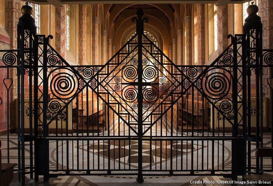 Grille chapelle Maison Saint-yves