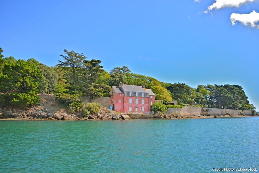 La maison rose dans le golfe du Morbihan à Séné