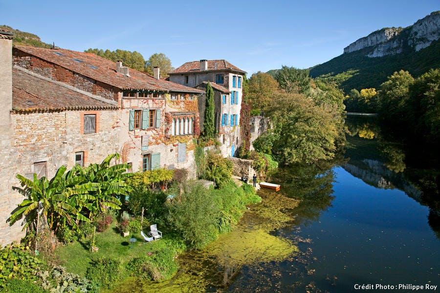 Saint-Antonin-Noble-Val au bord de l'Aveyron
