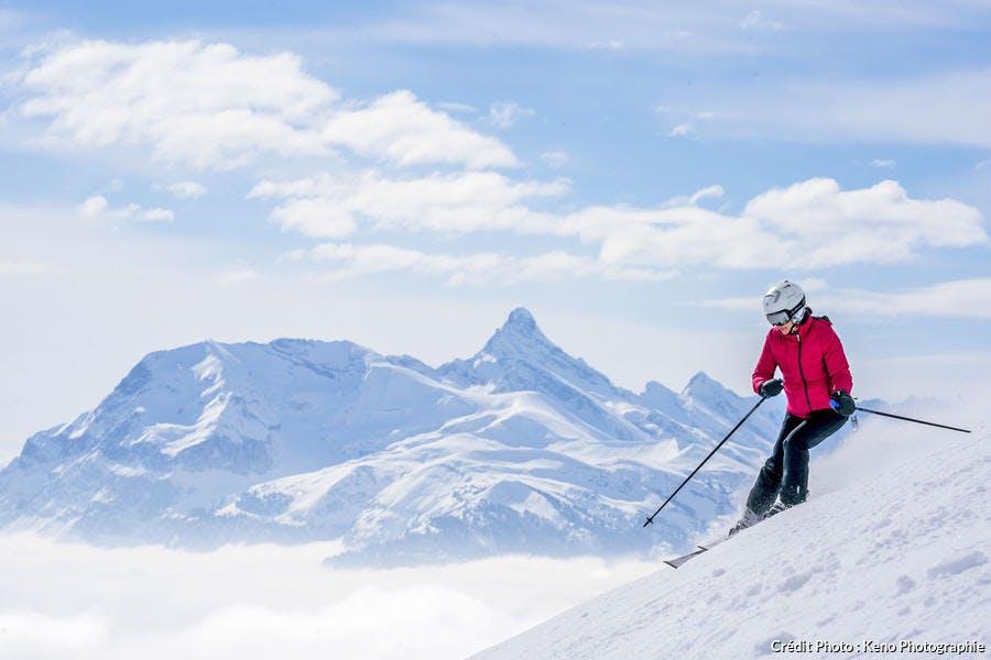 Skieur sur un piste de la station Les Gêts