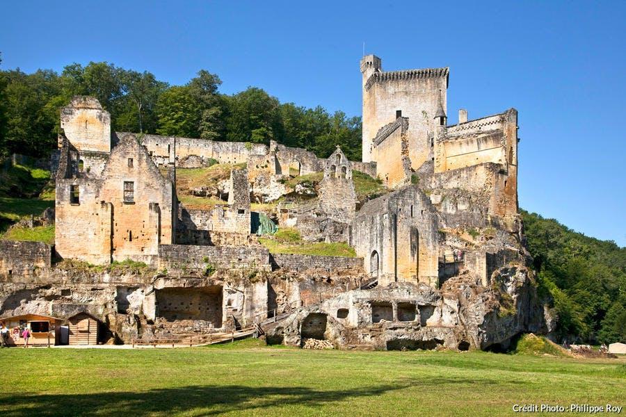 Le château de Commarque à dans la vallée de la Beune