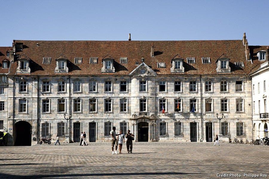 Place de la Révolution à Besançon.