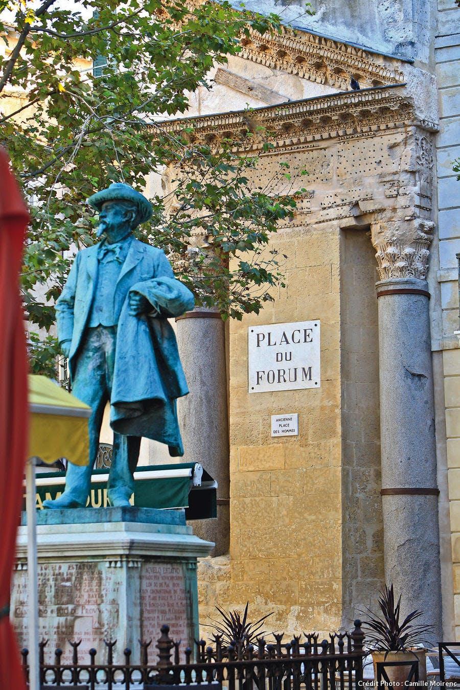 La statue de Frédéric Mistral