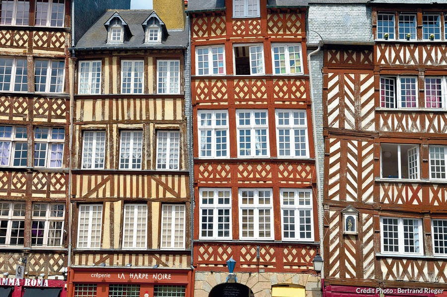 Hautes maisons à pans de bois