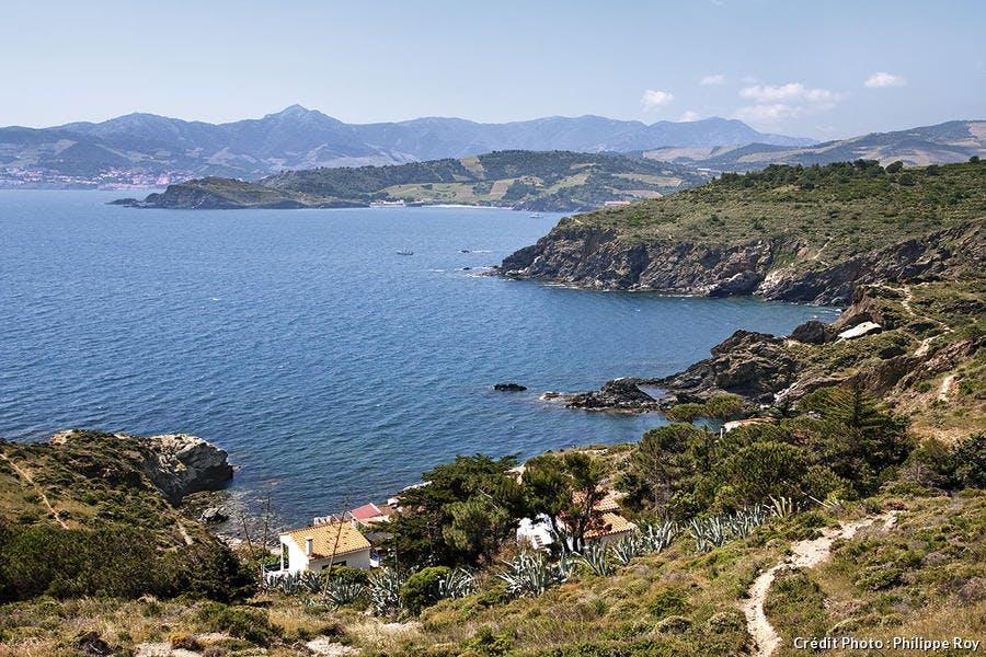 Vue sur la Côte Vermeille et la chîne des Albères depuis le cap Béar au-dessus de Port-Vendres
