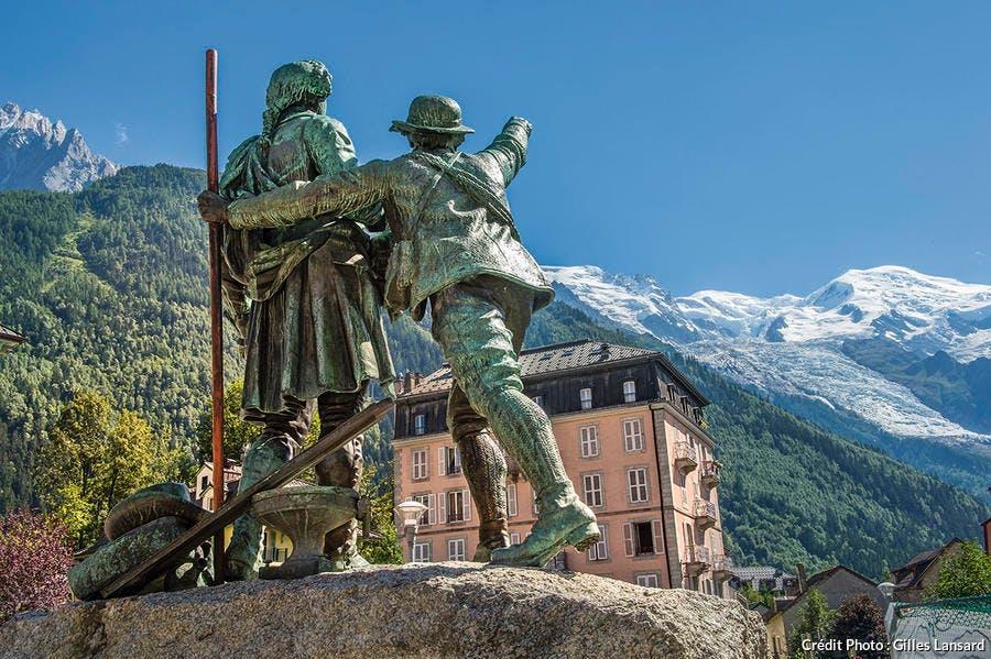 Sculpture de Saussure et Balmat à Chamonix