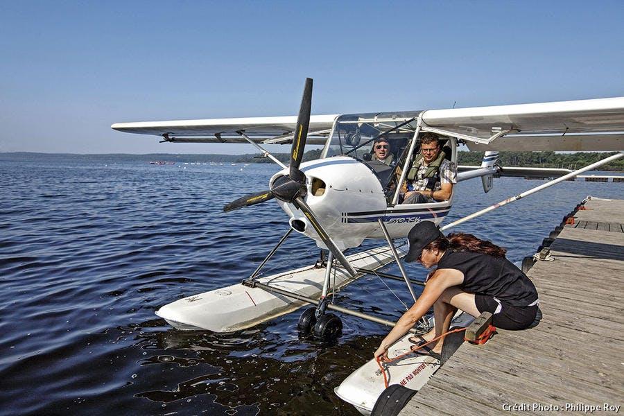 Hydravion posé sur le lac de Biscarrosse