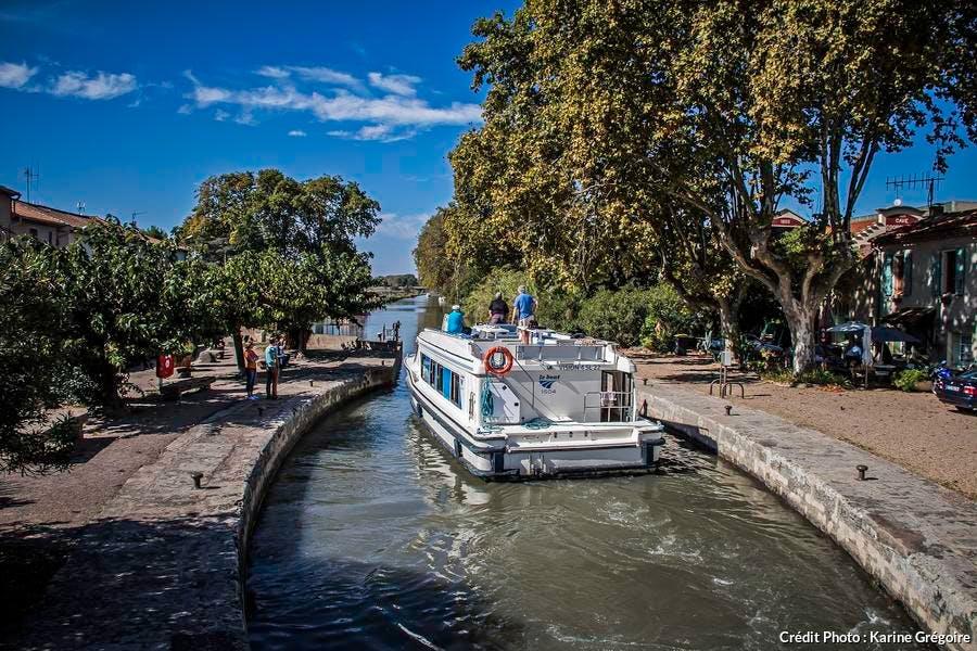 en_bateau_sortie_ecluse_villeneuve_-_fo_karine_gregoire.jpg
