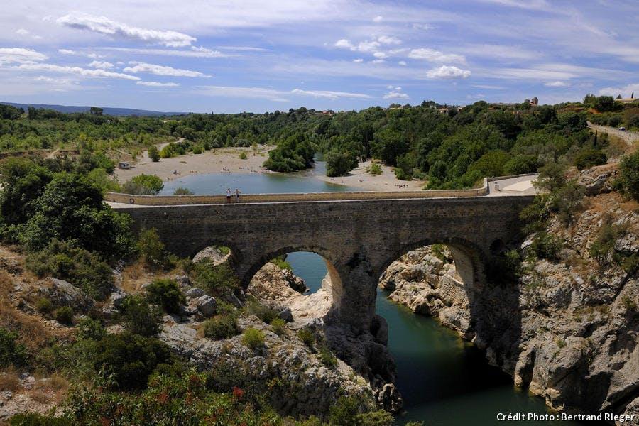 Le pont du Diable au-dessus des gorges de l'Hérault