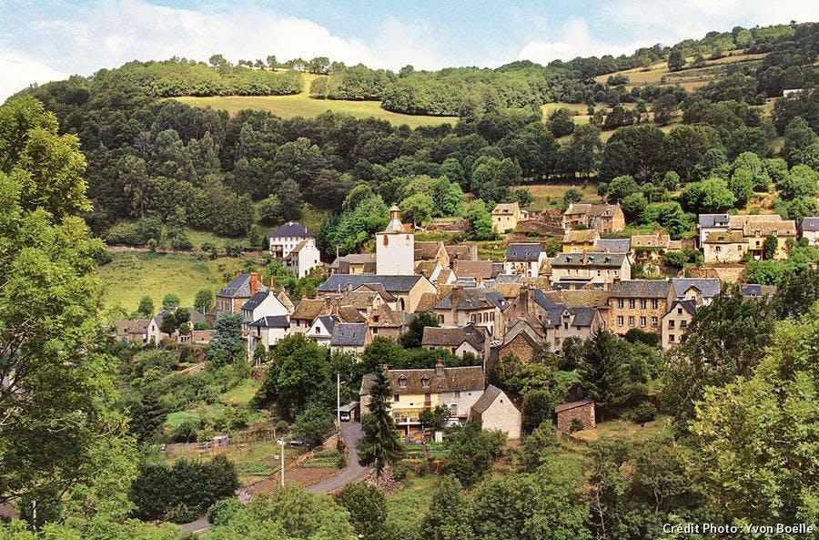 Le village de Saint-Chély-d'Aubrac, étape sur le chemin de Compostelle
