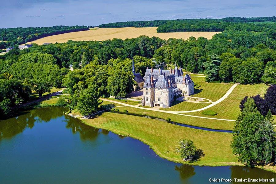 Le château de la Verrerie, dans le Berry, sur la route Jacques Coeur