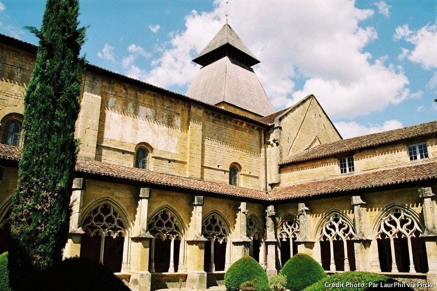 monpazier-abbaye-de-cadouin.jpg