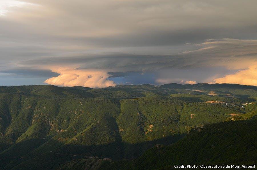 Un orage au dessus de l'Aigoual vu depuis l'observatoire