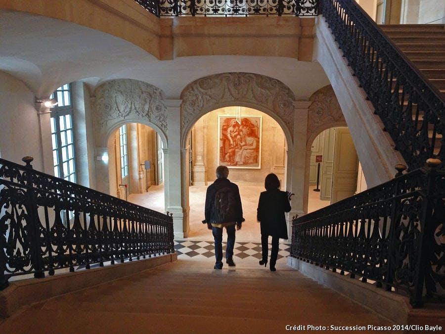 Le grand escalier de l'hôtel Salé