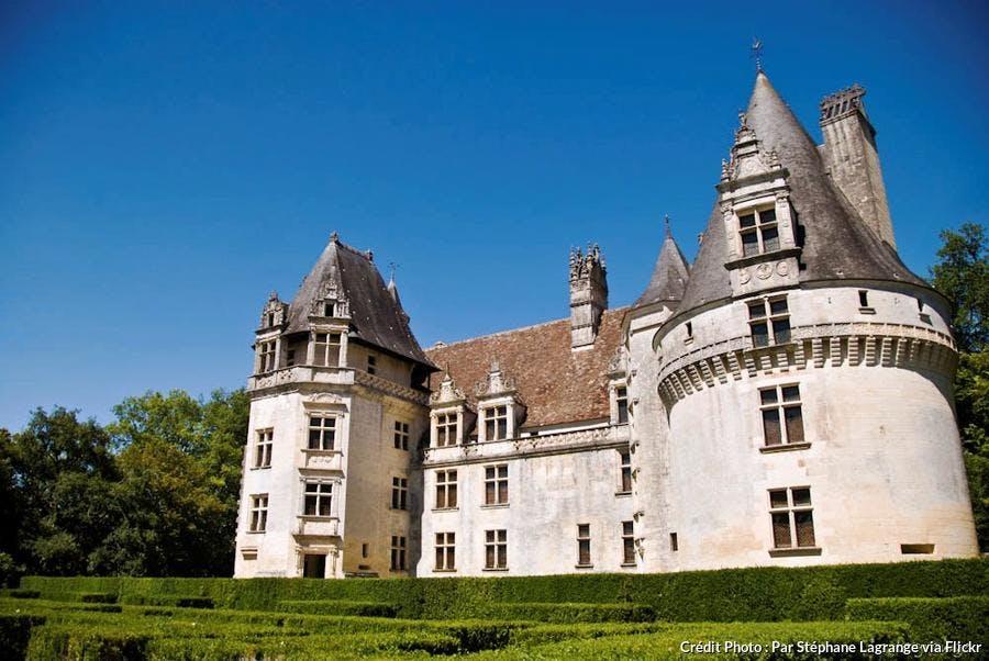 perigord-chateau-de-puyguilhem.jpg
