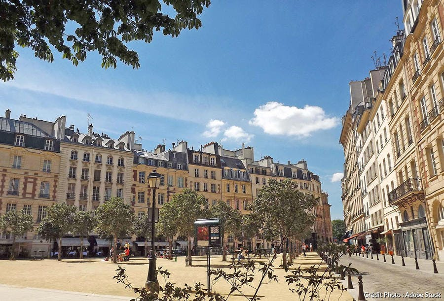 La place Dauphine, à Paris