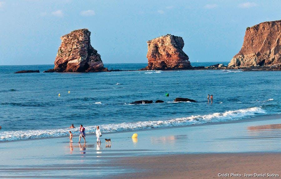 La plage des Deux Jumeaux, à Hendaye (Pyrénées-Atlantiques)