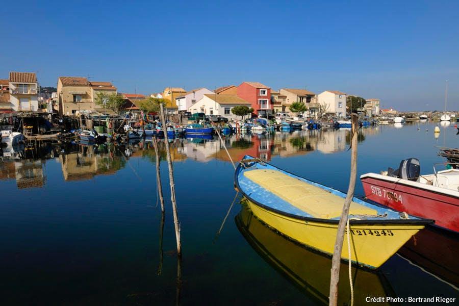 Bateaux de pêcheurs dans le quartier de la Pointe Courte à Sète