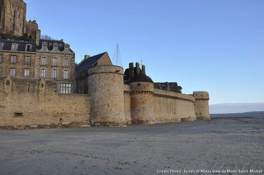 Les remparts du Mont-Saint-Michel