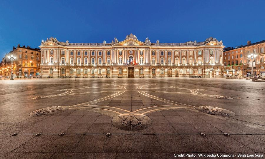 toulouse_capitole_night_wikimedia_commons_benh_lieu_song.jpg