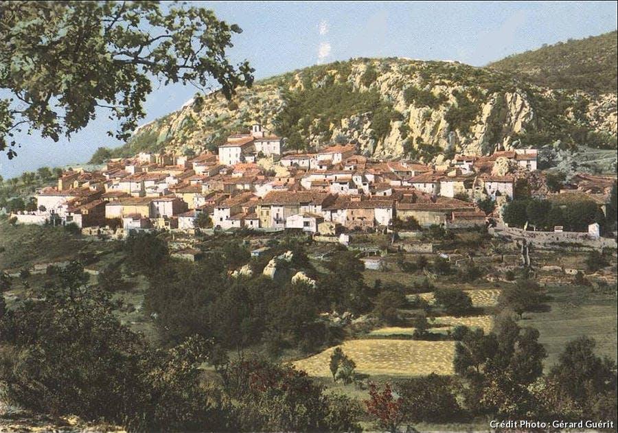 Le village de Bauduen avant la construction du barrage de Sainte-Croix