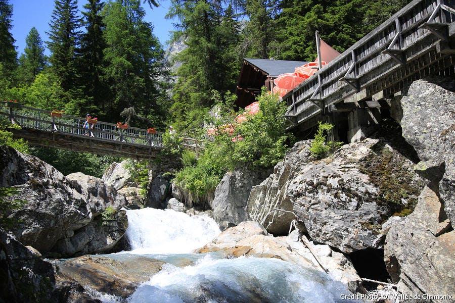 La cascade de Bérard, à Vallorcine