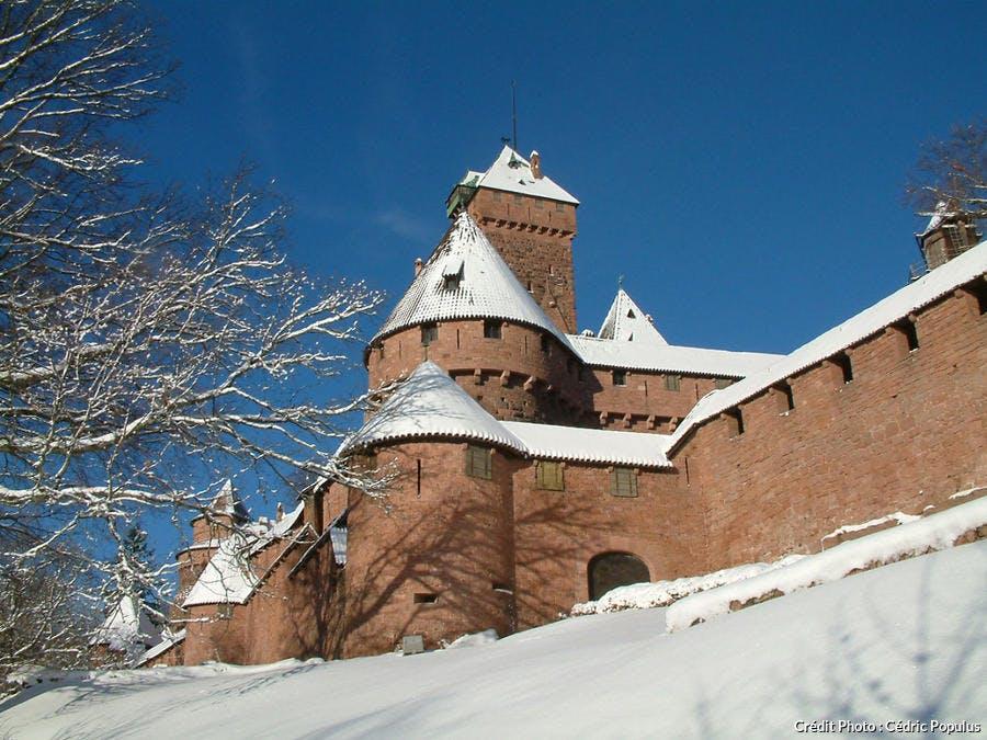 Le château du Haut-Koenigsbourg sous la neige (Alsace)