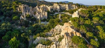 Les Orgues d'Ille-sur-Tet, des cheminées de fées de roche créées par Erosion