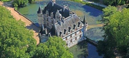 Vue aérienne du château d'Azay-le-Rideau