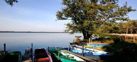 Ponton de départ des barques pour la découverte du courant d'Huchet (Aquitaine)