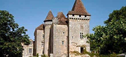 Le château de la Marthonie, à Saint-Jean-de-Côle, dans le Périgord (Dordogne)